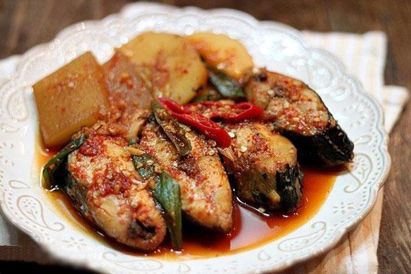 củ cải kho cá