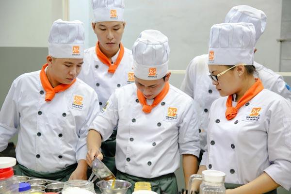Kinh nghiệm chọn trường nấu ăn