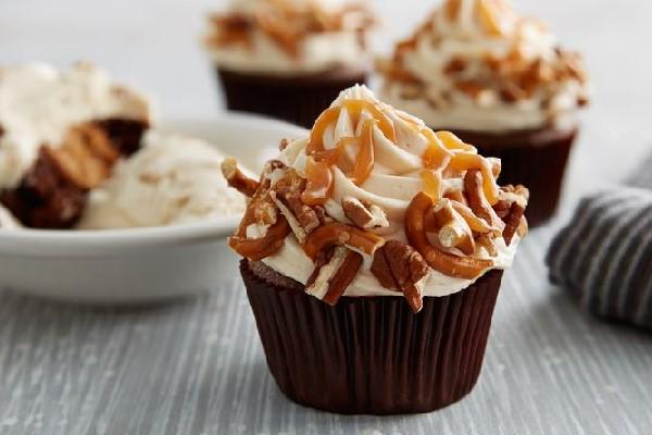bánh cupcake socola caramel