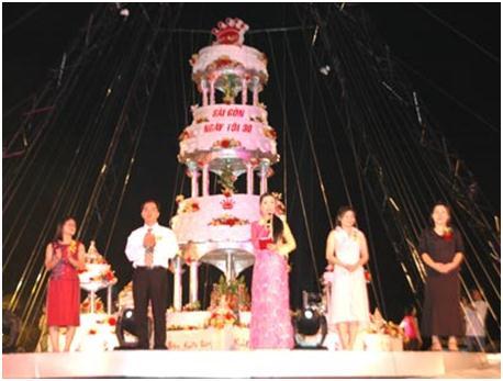 bánh sinh nhật lớn nhất Việt Nam