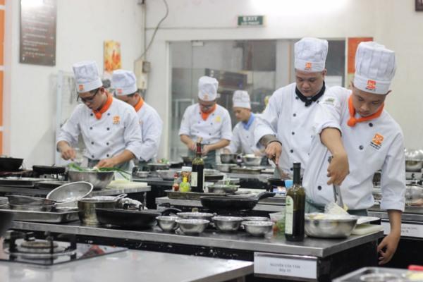 Nghề bếp không lo thất nghiệp