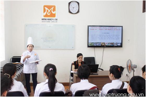 buổi học đầu tiên của bếp trưởng k12