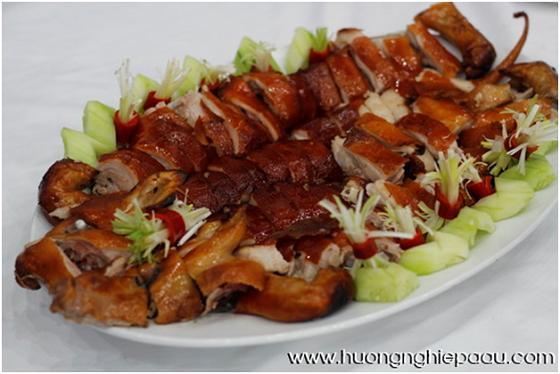 thịt heo quay truyền thống