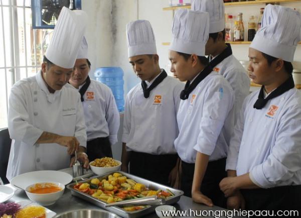 Hướng dẫn trang trí món ăn