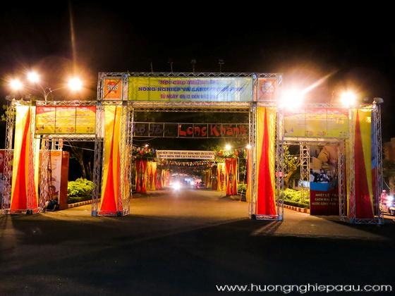 cổng hội chợ triển lãm