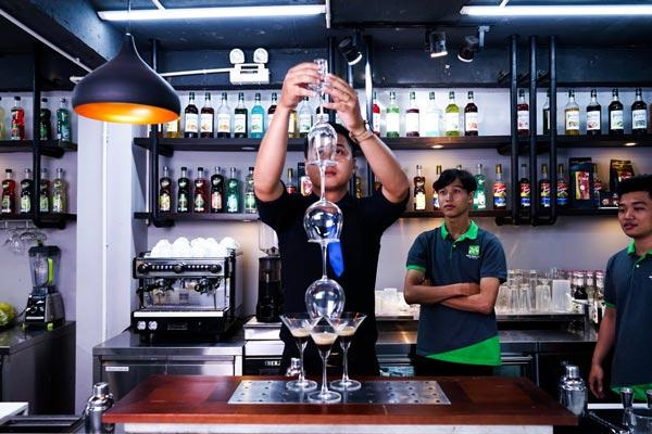 Nghề Bartender luôn gắn liền với thử thách