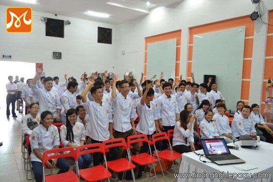 học viên tham gia trò chơi