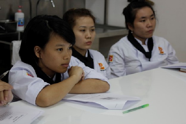 khai giang bb25 huong nghiep a au