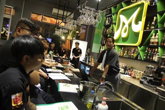 học viên bartender 04