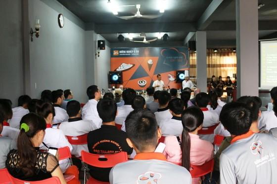 Kham pha va chia se tai Huong Nghiep A Au17