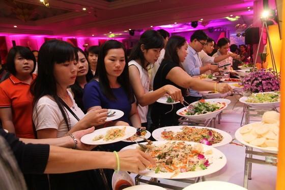 thuong thuc tiec buffet