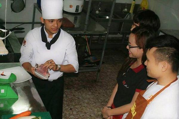 Trường an và đồng phục bếp trưởng