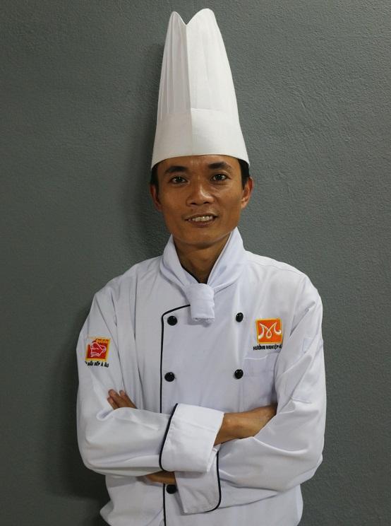 Thay-Ho-Cong-Quyet-giang-vien-bep-nong-huong-nghiep-a-au