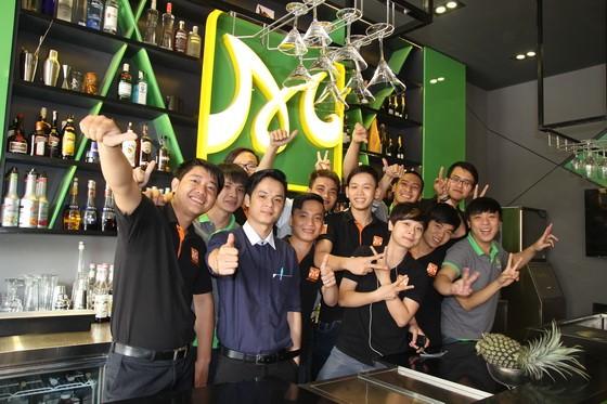 hinh-luu-niem-lop-bartender-05-huong-nghiep-a-au