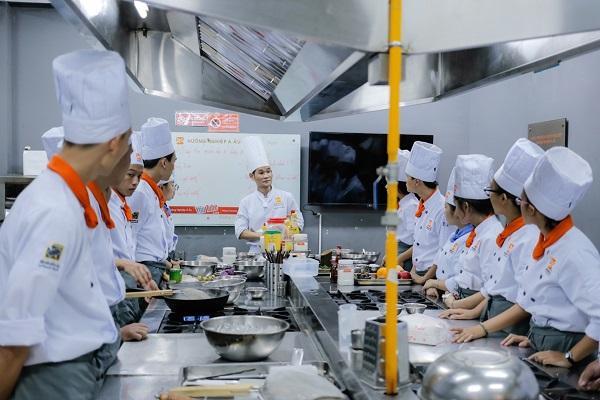Trường Học Nấu Ăn Ở Đâu Tốt Nhất TPHCM ?