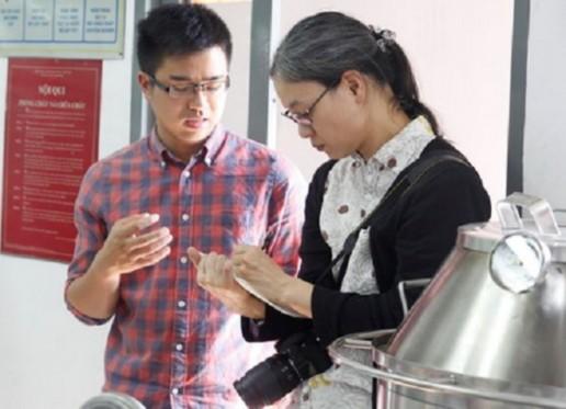 omura mika phóng viên mảng văn hóa