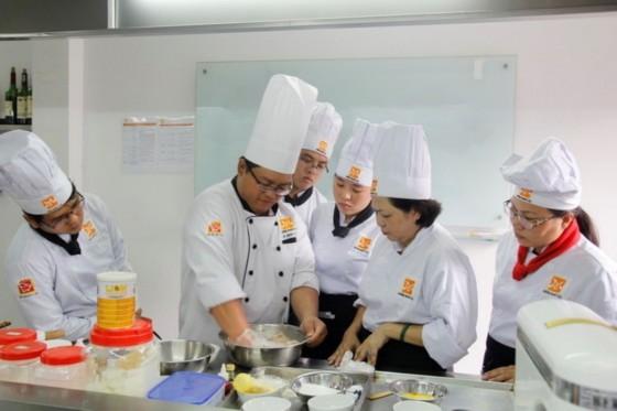 học viên học làm bánh bao