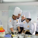 học viên học làm bánh bao truyền thống