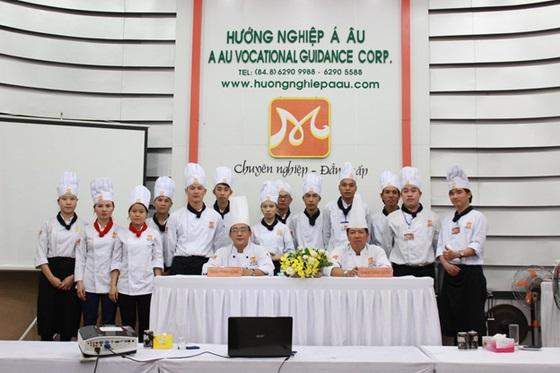 khong-khi-soi-dong-dau-nam-tai-huong-nghiep-a-au-11