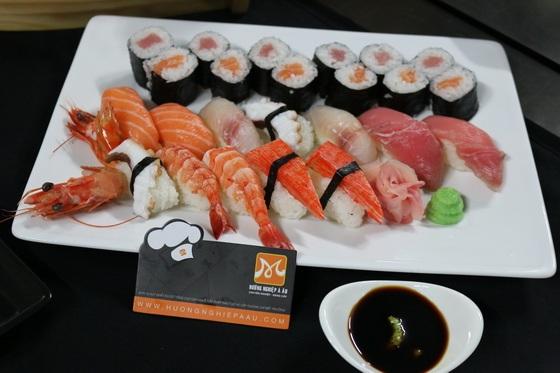 sushi-mon-an-noi-tieng-cua-nen-am-thuc-nhat-ban