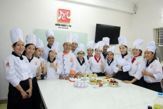 thầy và trò bếp bánh bb33
