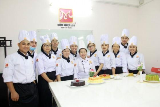 bếp bánh bb37 chụp hình lưu niệm