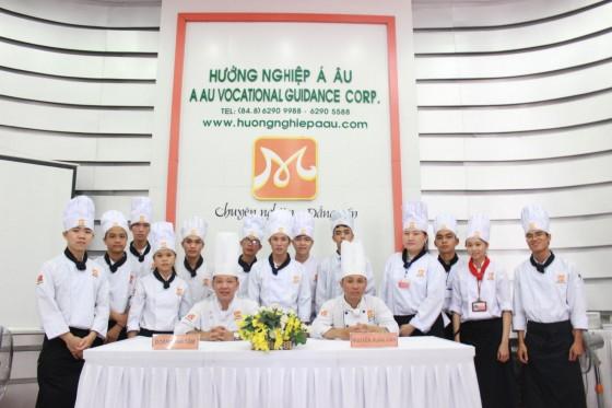 bếp trưởng điều hành k167 thi tốt nghiệp
