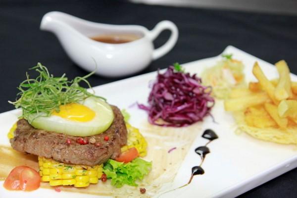Nấu Ăn Ngon Với Bò Beefsteak, Bò Lúc Lắc Và Khoai Tây Chiên