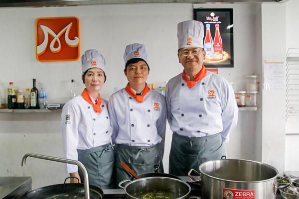 Học nấu ăn cho người nước ngoài