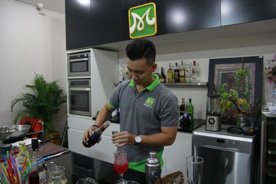 lớp bartender 08 thi