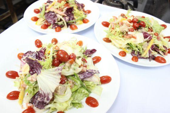 kim thư salad cá ngừ