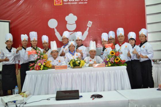 bếp trưởng k211 thi tốt nghiệp