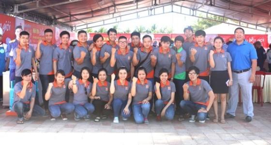 đội ngũ nhân viên chi nhánh đà nẵng