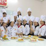Một khóa học dạy làm bánh tại trường dạy làm bánh Hướng Nghiệp Á Âu