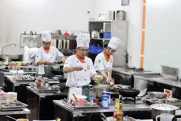 Học Nấu Phở Ở Đâu Tốt Tại TPHCM ?