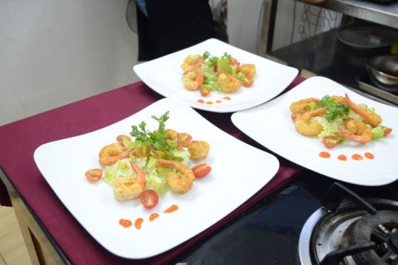 nguyễn kim long món tôm chiên dừa