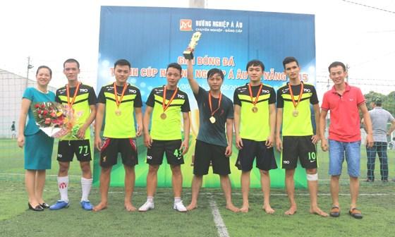k229 giành được chiếc cup
