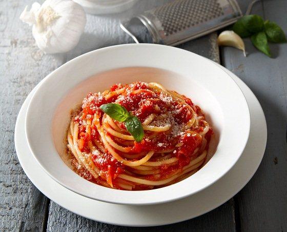 spaghetti trộn xốt basilico