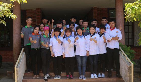 Đón trung thu cùng trẻ em Làng Trẻ Sos Đà Nẵng