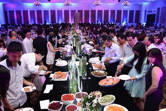 bữa tiệc buffet hnaau