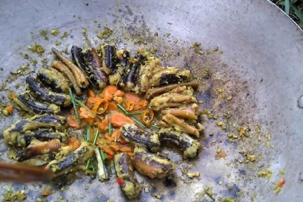 Lươn xào xa ớt
