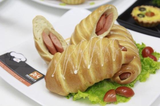 bánh Sausage Bread