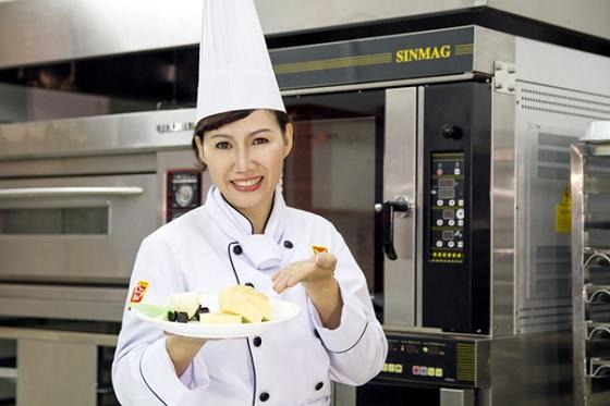 Cô Trần Thị Hiền Minh HNAAu