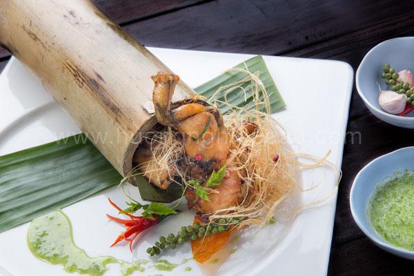 ếch nướng ống tre