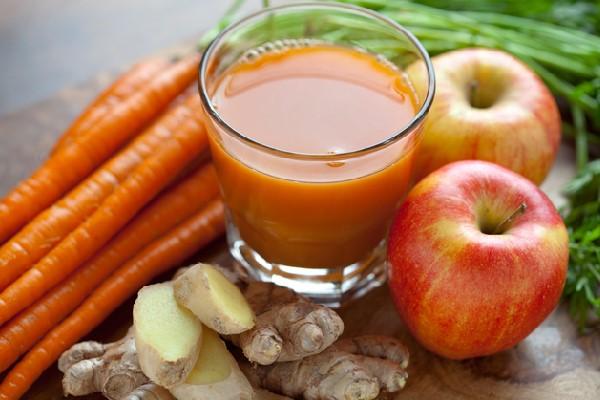 Nước ép táo, cà rốt, gừng: