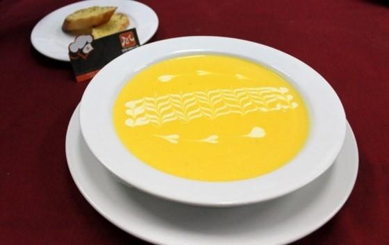 Học cách nấu súp bí đỏ ngon bổ
