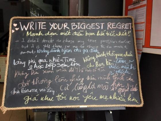 thông điệp thay nhau lấp kín chiếc bảng