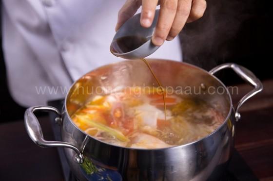 nêm nước lẩu cá lăng măng chua