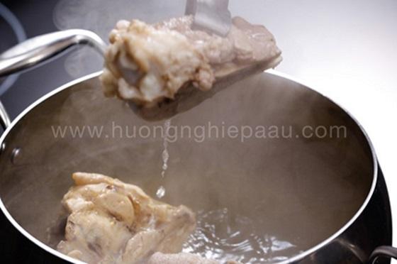 Thịt gà cắt khúc