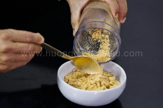 Muối rang xay nhuyễn thành bột